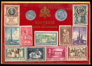Сувенирный набор: ватиканские лиры (5 и 10 лир с изображениями Пия XII и Иоанна XXIII) и марки