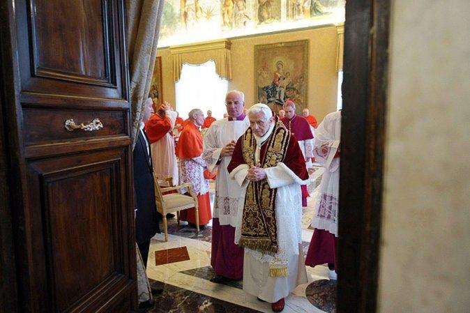 11 февраля 2013 года Папа Бенедикт XVI сообщил о своем отречении