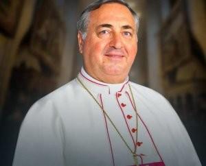 Архиепископ Сальваторе Пеннаккио